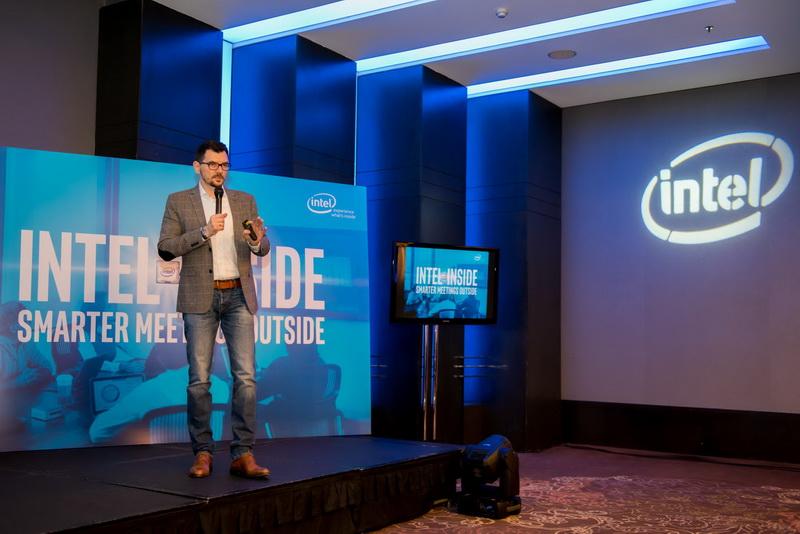 Eveniment Intel