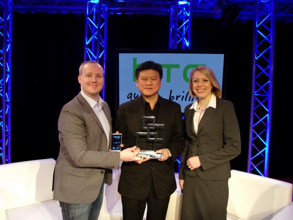 Ben Ho and Gragam Wheeler - HTC One premiat la MWC 2013